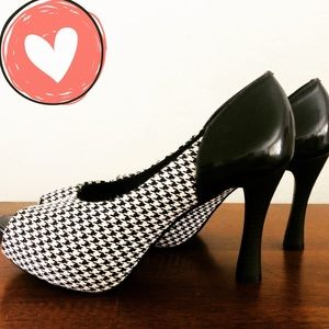 NEW Houndstooth Open Toe Heels